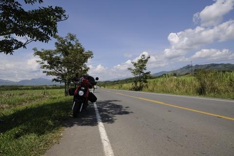 La moto en el valle