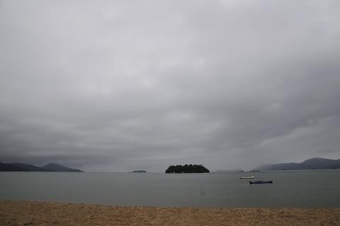 Día 189 Ilha mantimento, ilha comprida viento, lluvia y olas