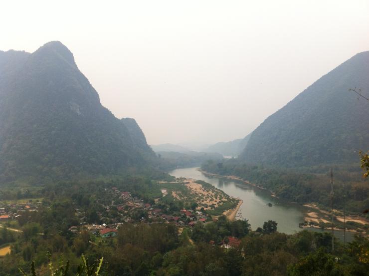 Vista de Muang Ngoi Neua y el Nam Ou