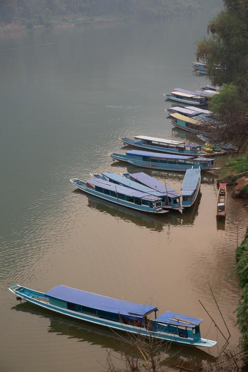 El puerto de Nong Khiaw en el río Nam Ou