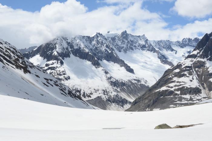 La vista desde el chalet, este es el valle y abajo esta el glaciar