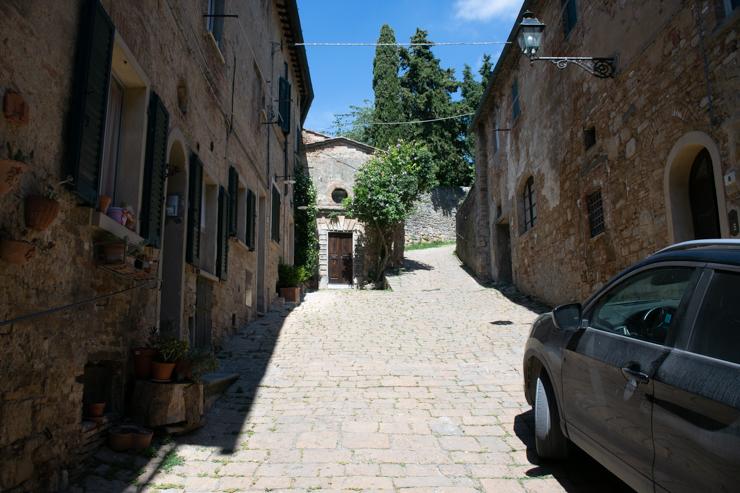 Camino hacia la fortaleza de los medici. Fortrezza Medicea, Volterra