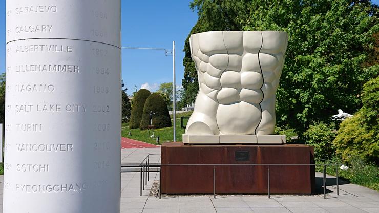 No se cuando hicieron una escultura de mi six pack para el museo olímpico!