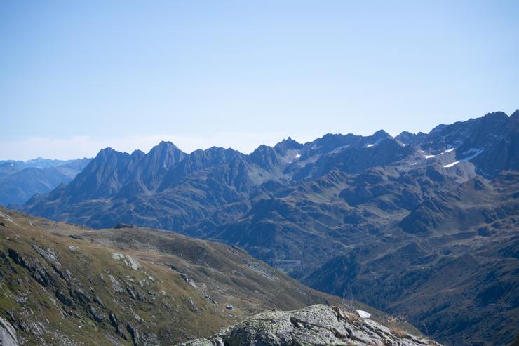 Vista de los alpes italianos desde el paso de la novena