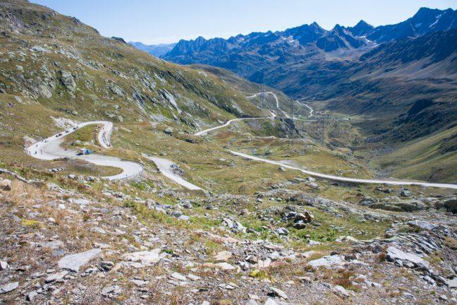 Bajada al Ticino desde el paso de la novena