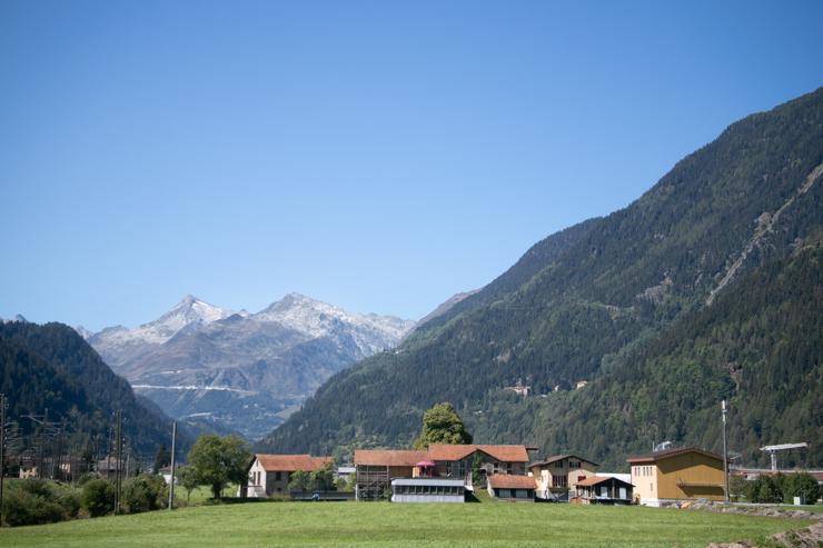 Vista del paso de san gotardo desde el Ticino