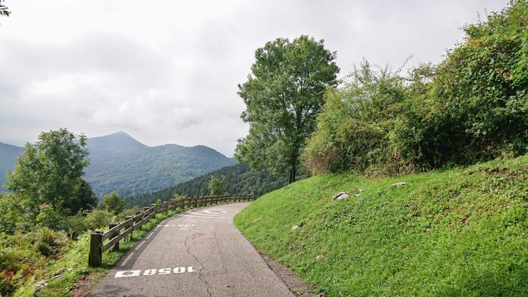 Vista del muro di sormano que el ciclista nunca ve